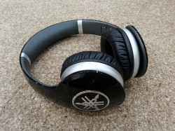 Yamaha HPH-PRO500 Headphones - Gloss Black